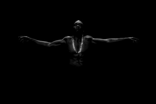 Kanye Black Skinhead