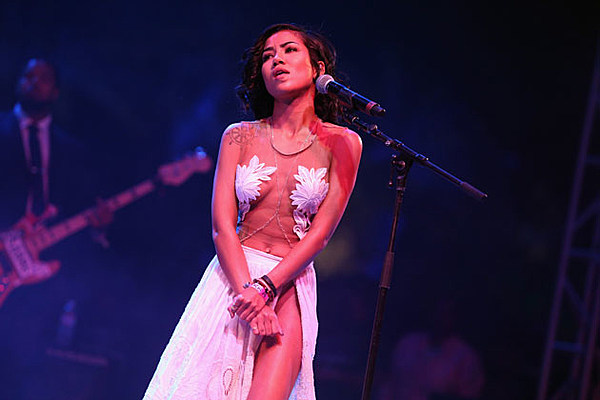 Jhene Aiko Debuts 'To Love and Die' Jhene Aiko To Love And Die