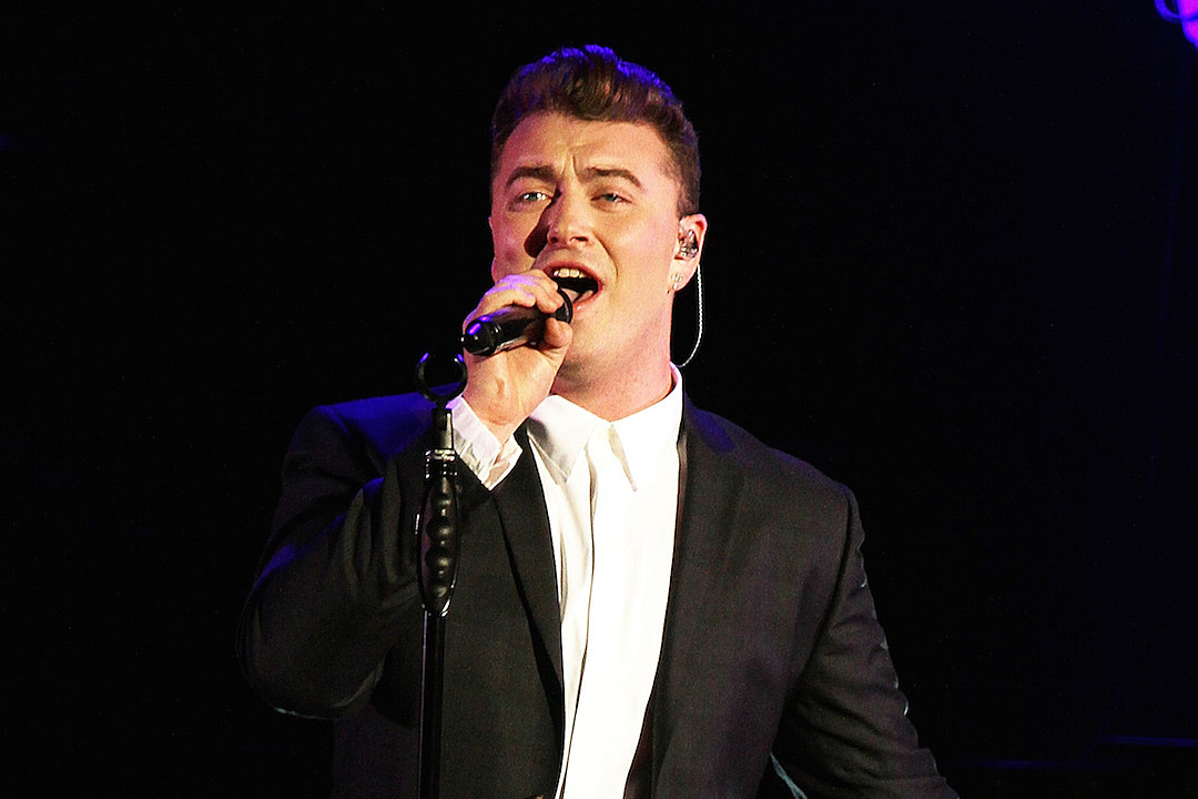 Sam Smith Delivers Tender Performance of 'Lay Me Down' at 2015 iHeartRadio Music Awards [VIDEO]