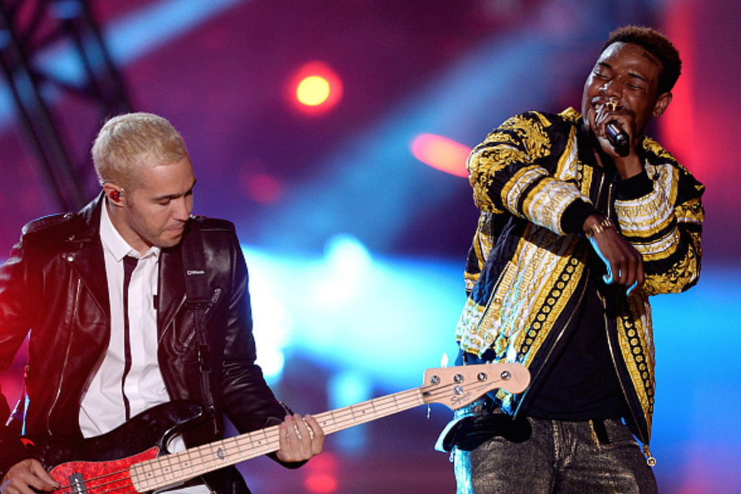 Fetty Wap Performs 'Trap Queen' With Fall Out Boy at 2015 MTV Movie Awards [VIDEO]