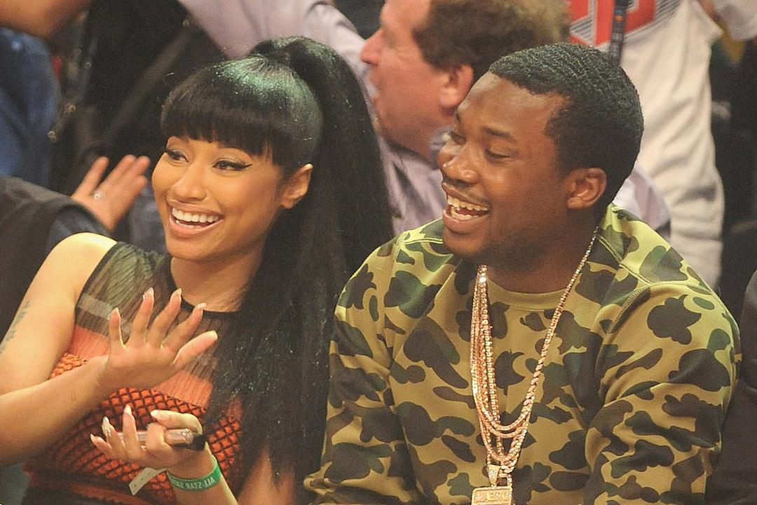 Nicki Minaj Brings Back Pink Hair, Meek Mill Calls Her His 'Sexy Dime Piece' [PHOTOS]