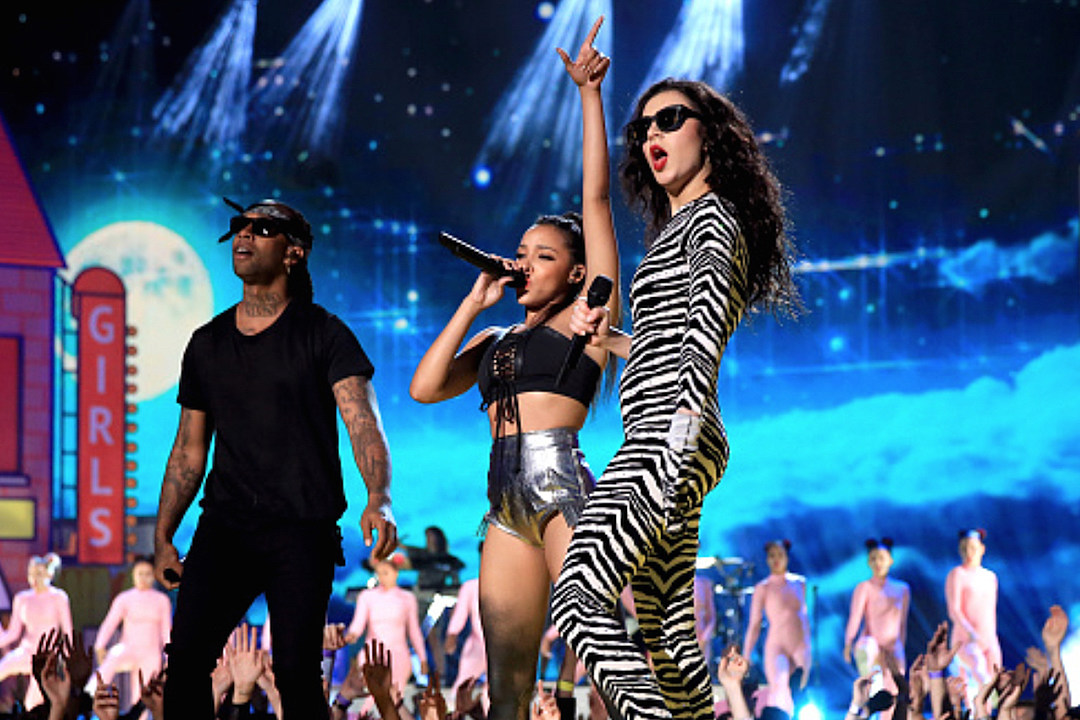 Charli XCX, Ty Dolla $ign Tinashe Perform 'Drop That Kitty' at 2015 MTV Movie Awards [VIDEO]