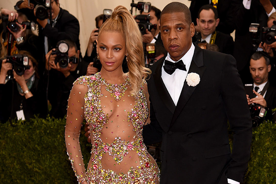 Beyonce Glitters in Givenchy Gown at 2015 Met Gala [PHOTOS]