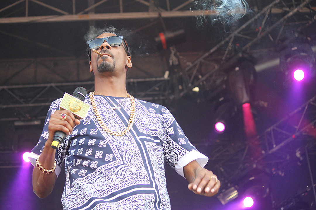 Snoop Dogg Jams With the Crowd at Amnesia Rockfest 2015 [EXCLUSIVE PHOTOS]