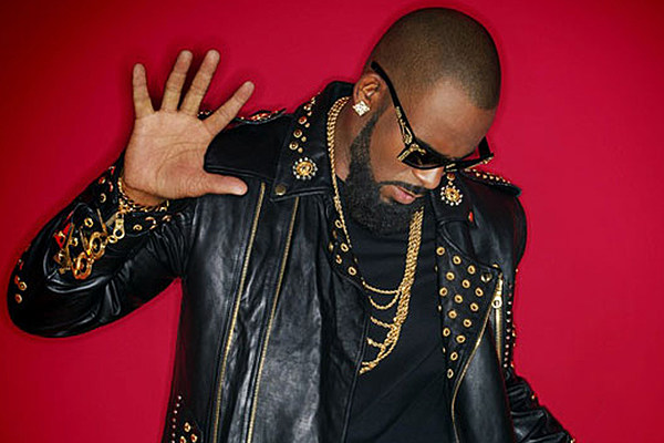 R kelly brings the 39 marching band 39 to the bedroom on new for R kelly bedroom boom