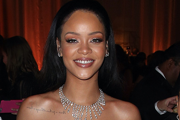 Rihanna Signs Deal With LVMH to Create Her Own Makeup Brand news