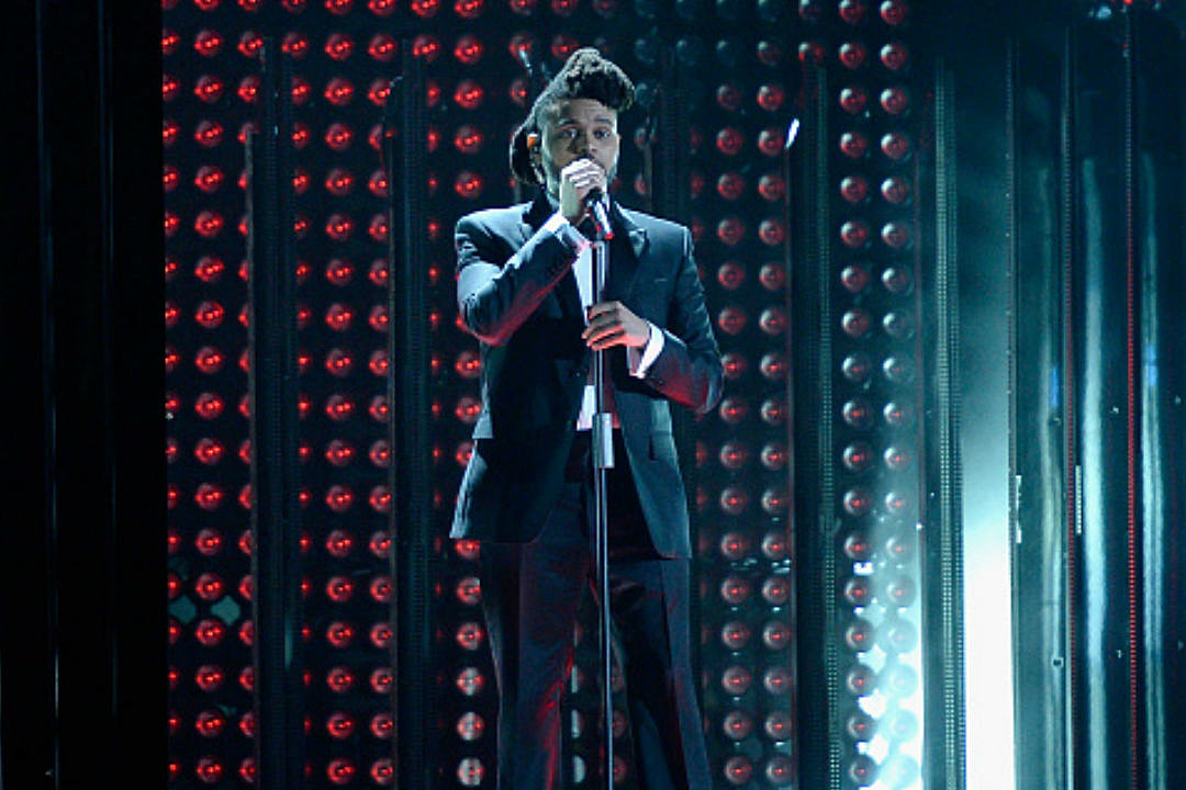 The Weeknd Wins Best R&B Performance at the 2016 Grammys