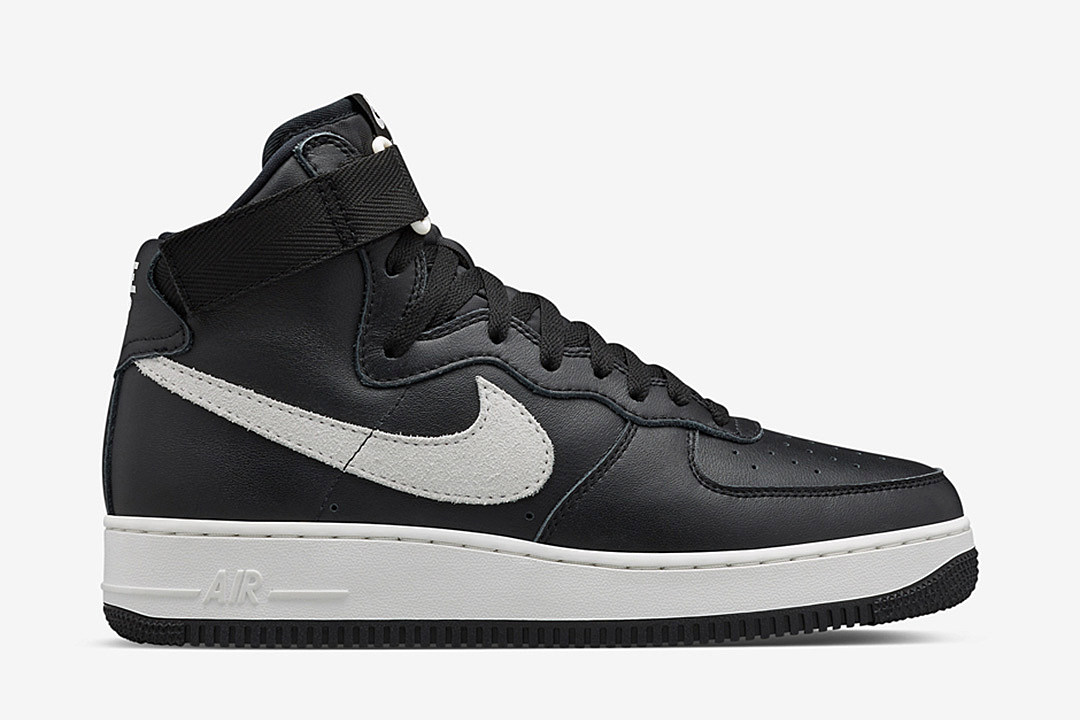 Nike Air Force 1 High QS Black/White news