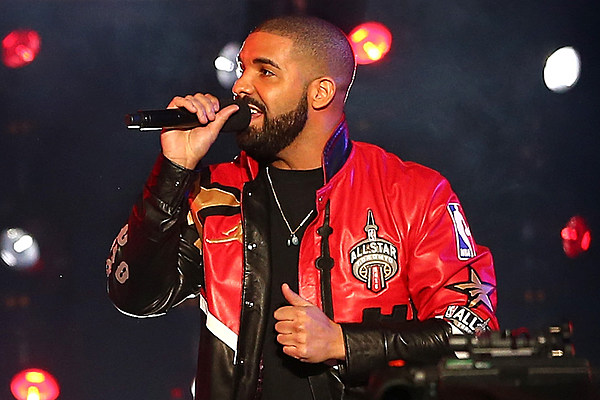 "Drake Brings Out Gucci Mane and 2 Chainz on Atlanta Stop of ""Summer Sixteen"" Tour news"