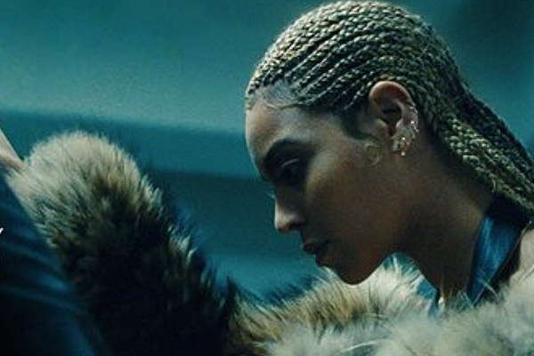 beyonce releases lemonade on itunes and amazon still