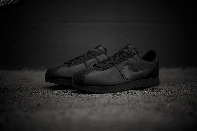 nike cortez all black leather