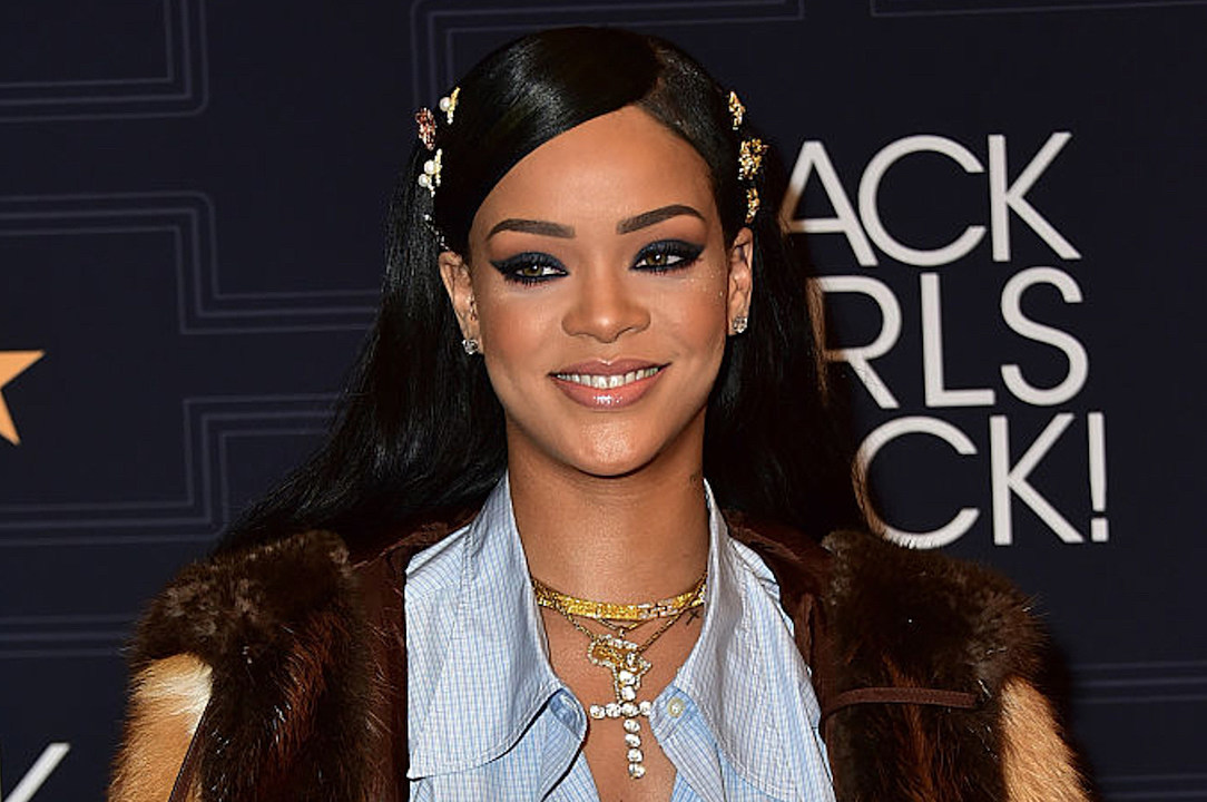 "Rihanna Channels 'Star Trek' in the Video for the Movie's Track, ""Sledgehammer"" news"