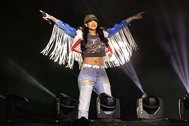 Rihanna Pays Tribute to Prince on Her Anti Tour Stop in Calgary [VIDEO] news