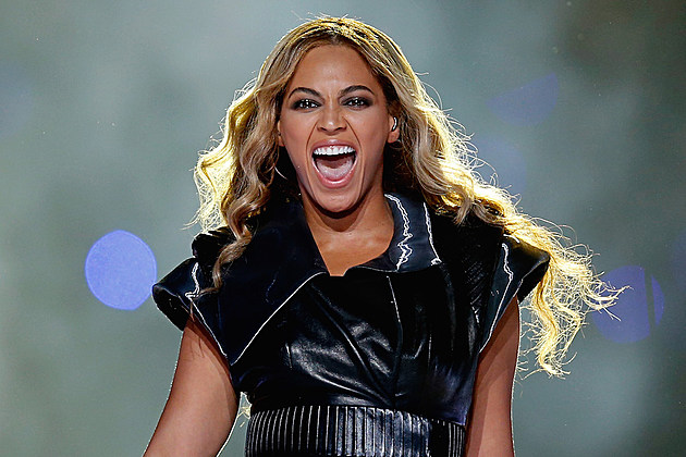 Beyonce Performs 'Formation' at Super Bowl 50 Halftime Show With Coldplay & Bruno Mars [VIDEO] news