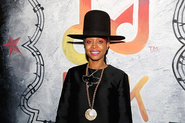 Motown Toasts Erykah Badu At Samsung Galaxy Experience - Erykah Badu's Dress Code Tweets Spark Backlash: 'We Are All Sexual