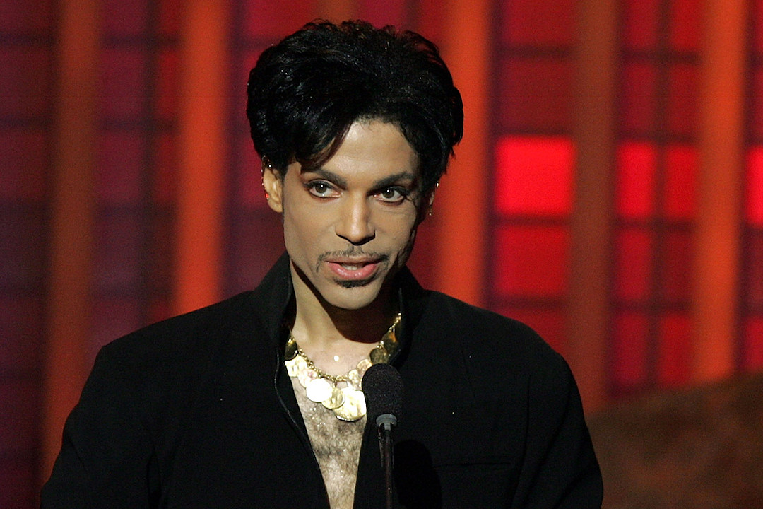 It Looks Like Prince Will Top the Albums Charts Next Week news