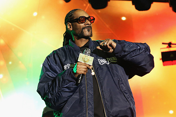 Snoop Dogg Announces Upcoming Album Title, Debuts New Song 'Fireworks' news