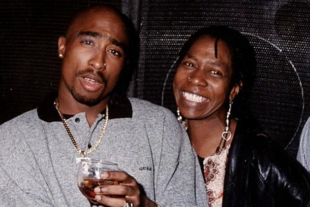 The Sad Story Behind One of the Most Striking Images of Tupac news
