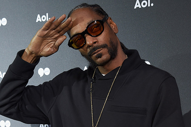 Snoop Dogg Throws Out the 1st Pitch For the San Diego Padres–and It's Awful [VIDEO] news