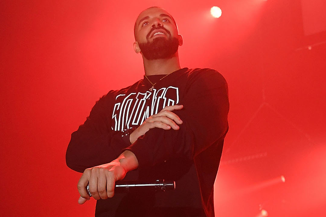 Drake Performs Hotline Bling & More at Bat Mitzvah [VIDEO] news