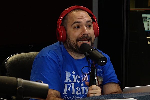 Peter Rosenberg Snapped on a Cop Who Tried to Defend the Shooting of Alton Sterling news
