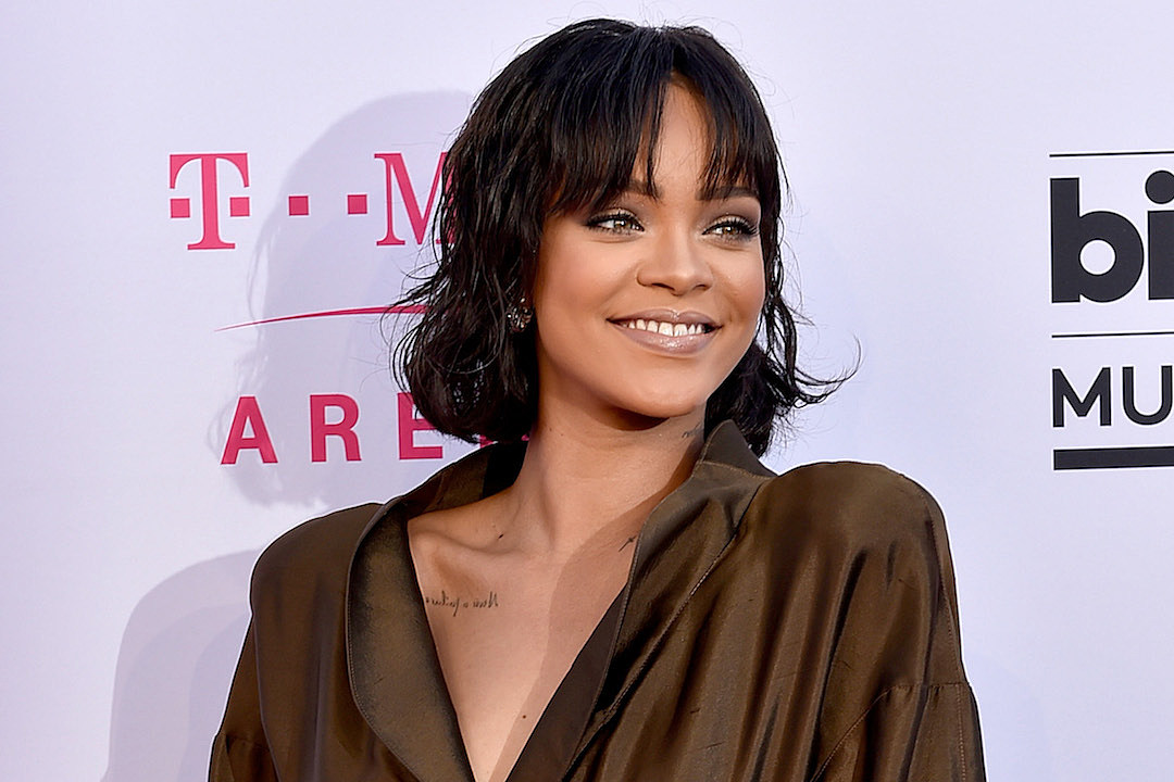 You Can Now Buy Rihanna's Mansion (If You Happen to Have $15 Million Lying Around) news