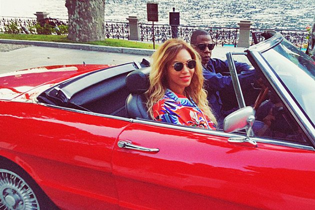Jay Z, Beyonce and Blue Ivy Hang Out in Paris [Photos] news
