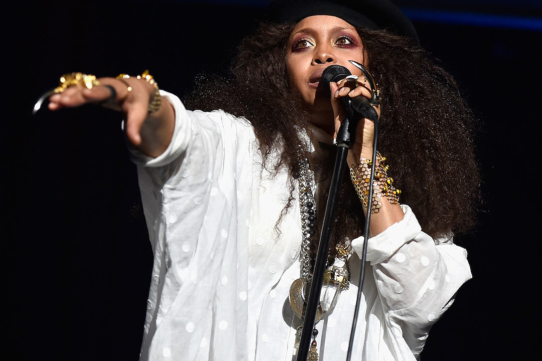 Erykah Badu Shows Off Her Palm Reading Skills: 'I See Hos In Different Area Codes' news