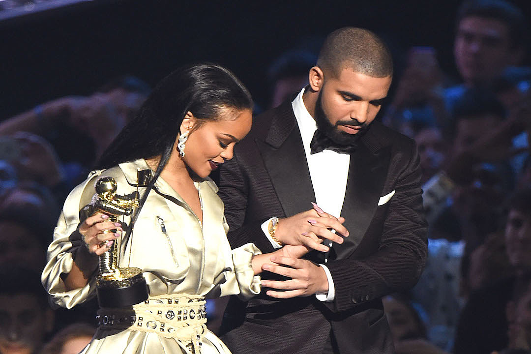 Drake and Rihanna Cozied Up in VIP with Cocktails and Blunts at Miami Club news