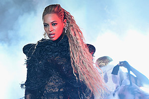 Singer Beyonce's 'Formation' Wins Video of the Year at the 2016 MTV Video Music Awards