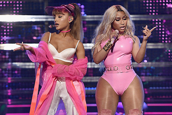 Watch Ariana Grande, Nicki Minaj's Seductive VMAs Performance news