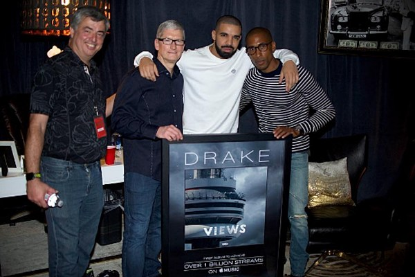 Drake's 'Views' Has Third Most Weeks at #1 by a Hip Hop Album news