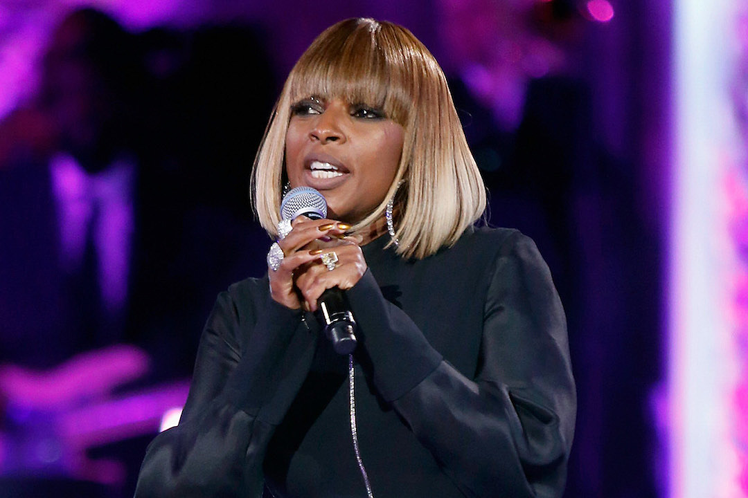 Mary J. Blige Performs New Song About Divorce