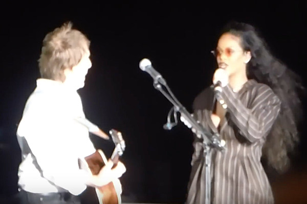 Watch This Fan Surprise Rihanna With His Singing Voice news