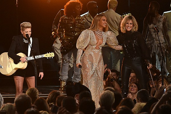 Grammys 2016 Country Categories: Who Will Win, Who Should Win news