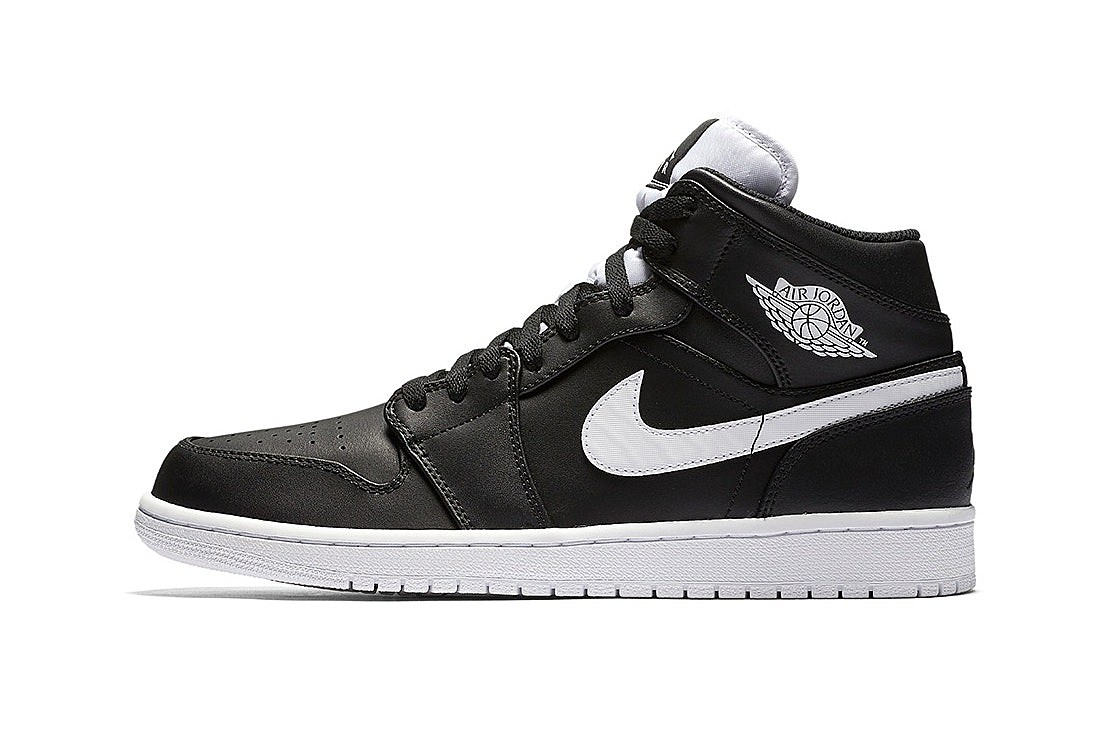 new products 0ca4f cd609 air jordan 11 low shoes rebook