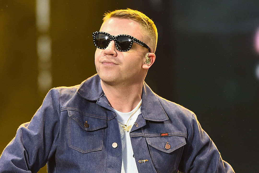 Macklemore's Car Crash Photos Show You Just How Lucky He Is