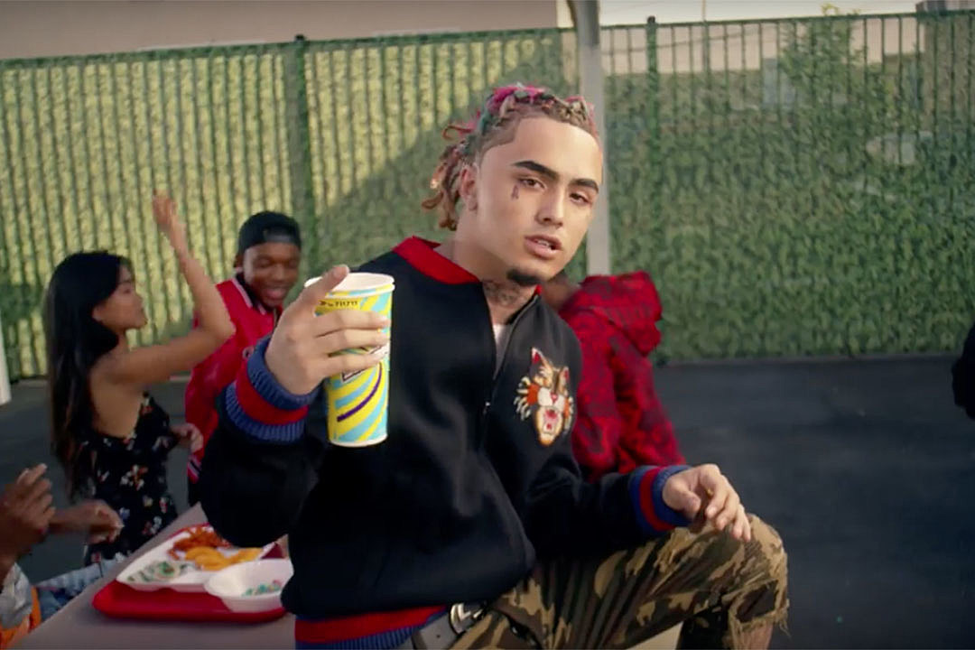 Lil Pump Gifts His Crew $350,000 in Diamond Necklaces