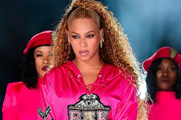 Beyonce Gives Butterfly Ring From JAY-Z to London Museum